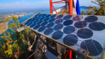 Blue solar cells are lined up at the top of a mountain in Phajoupkirikun Gulf. - Photo: Shutterstock